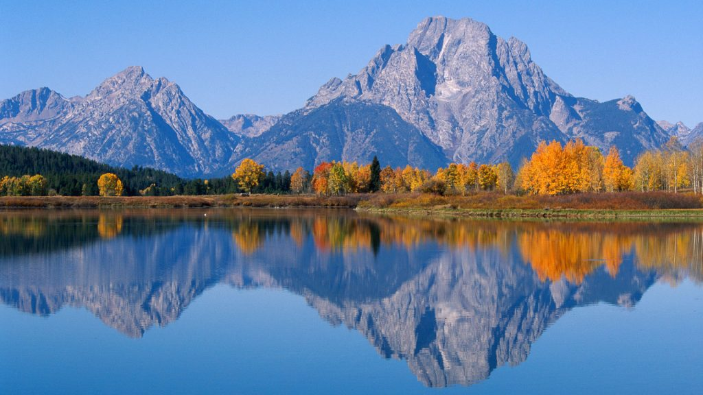 Grand Teton Mountains view from Oxbow Bend on the Snake River, Wyoming, USA