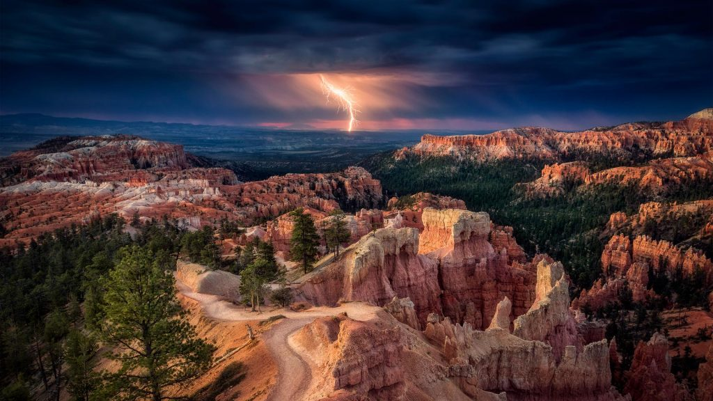 Lightning over Bryce Canyon, Utah, USA
