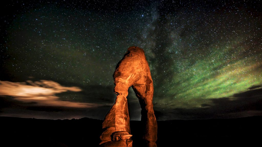 Delicate Arch in Arches National Park at night, Utah, USA
