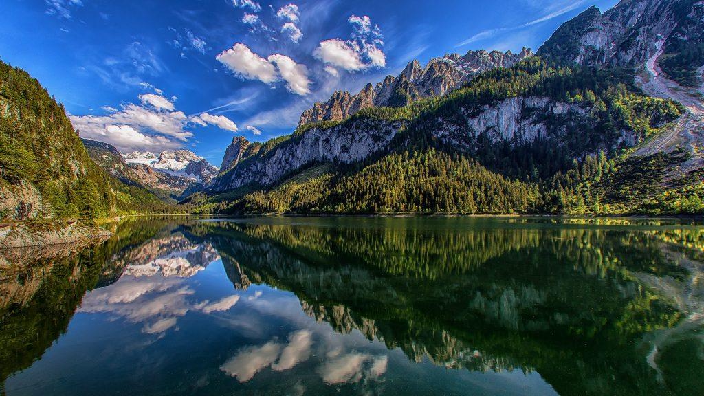 View on Lake Gosau to Dachstein mountains and Gosau Range, Salzkammergut, Austria