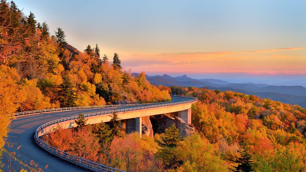 Linn Cove viaduct during fall morning, Blueridge parkway, North Carolina, USA