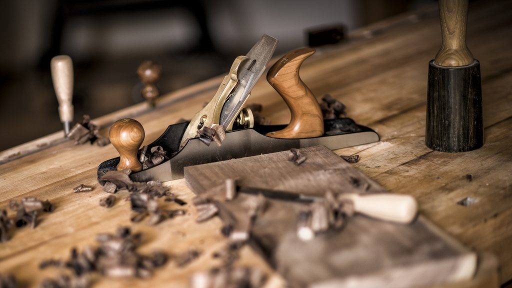Working wood, Lie-Nielsen jack plane, Corvallis, Oregon, USA