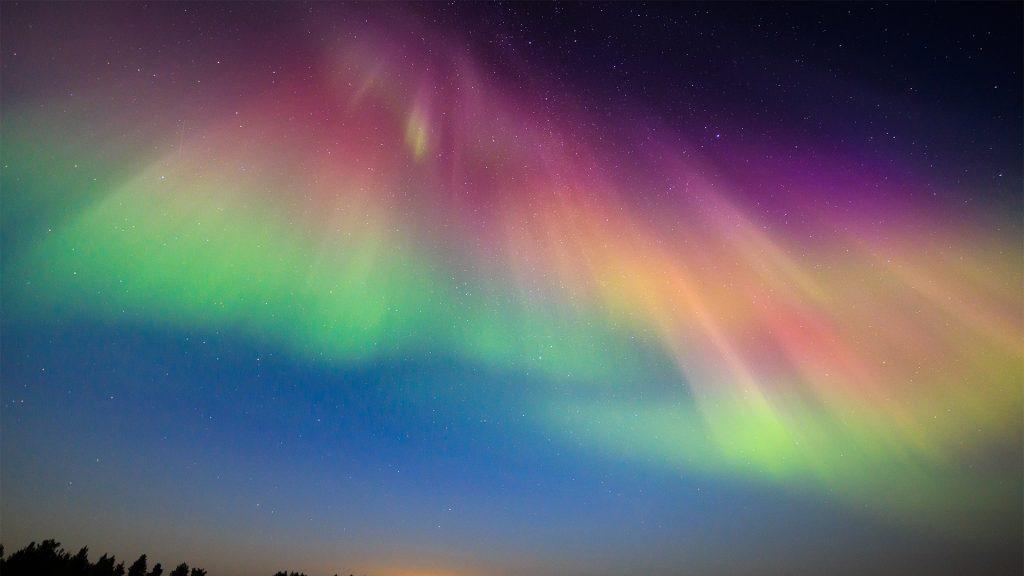 Intense multicolored northern lights (Aurora borealis) show in Hailuoto, Finland