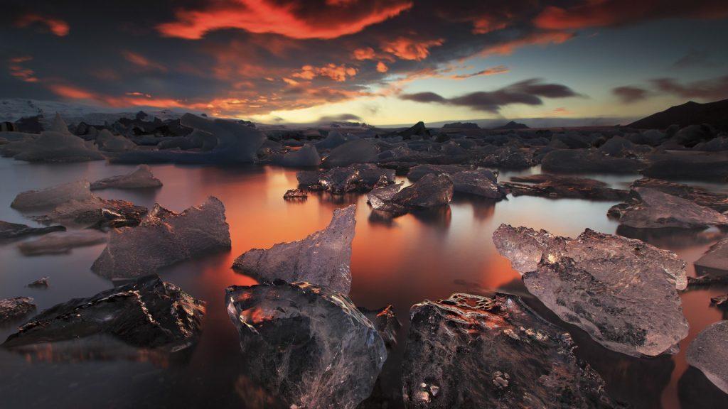 Frozen hell, sunset over Jökulsárlón glacier lagoon, Iceland