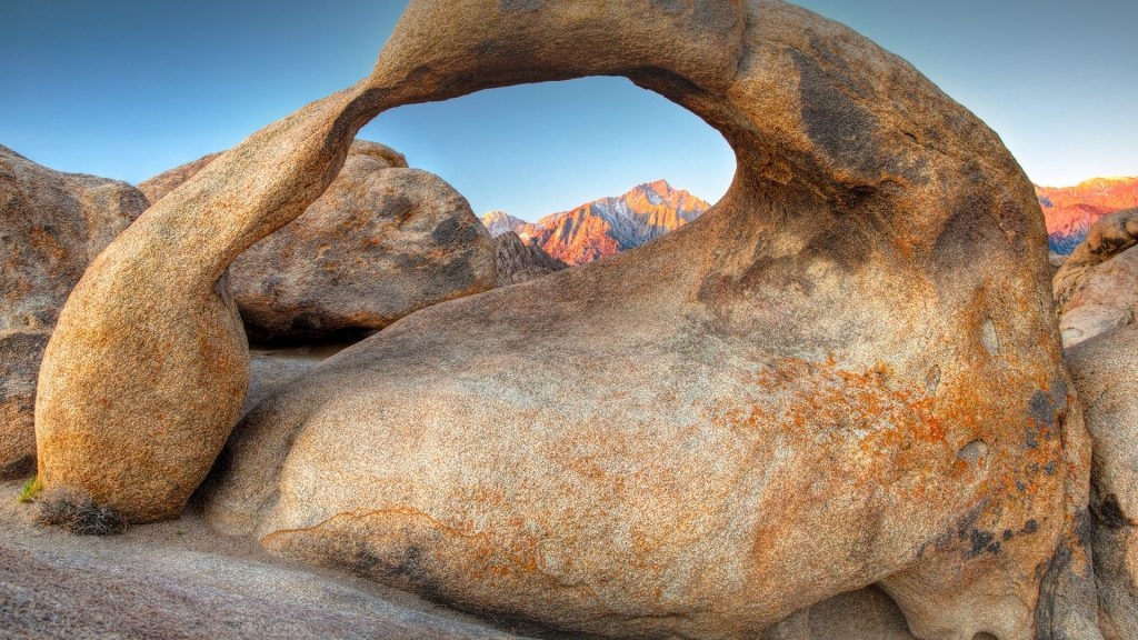 Eroded rock Mobius Arch, Lone Pine, Owens Valley, Alabama Hills, California, USA
