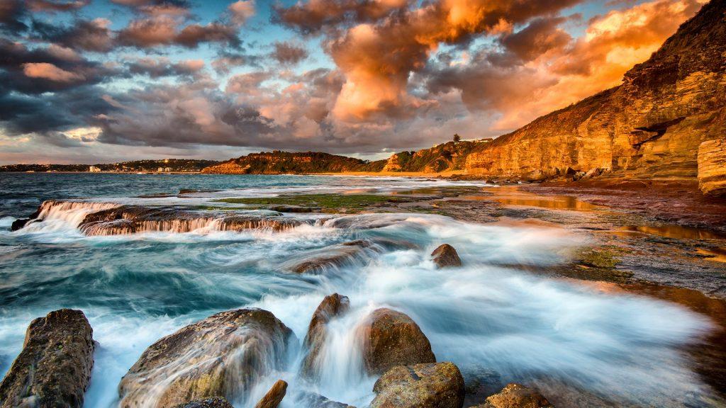 Sunrise over the northern rockshelf at Turimetta beach, Sydney, Australia