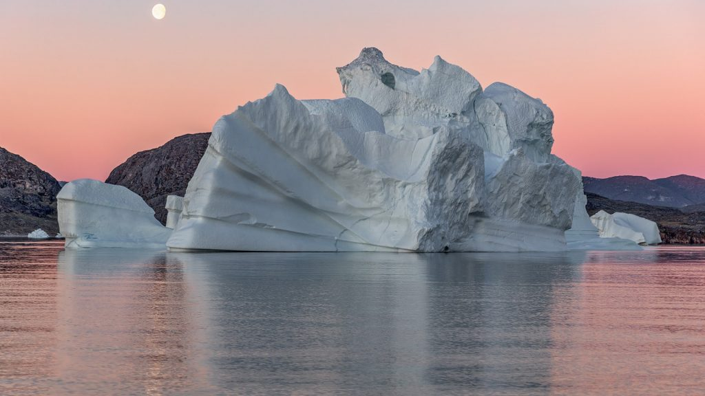 Huge icebergs from Jakobshavn glacier in the Disko Bay, West Greenland