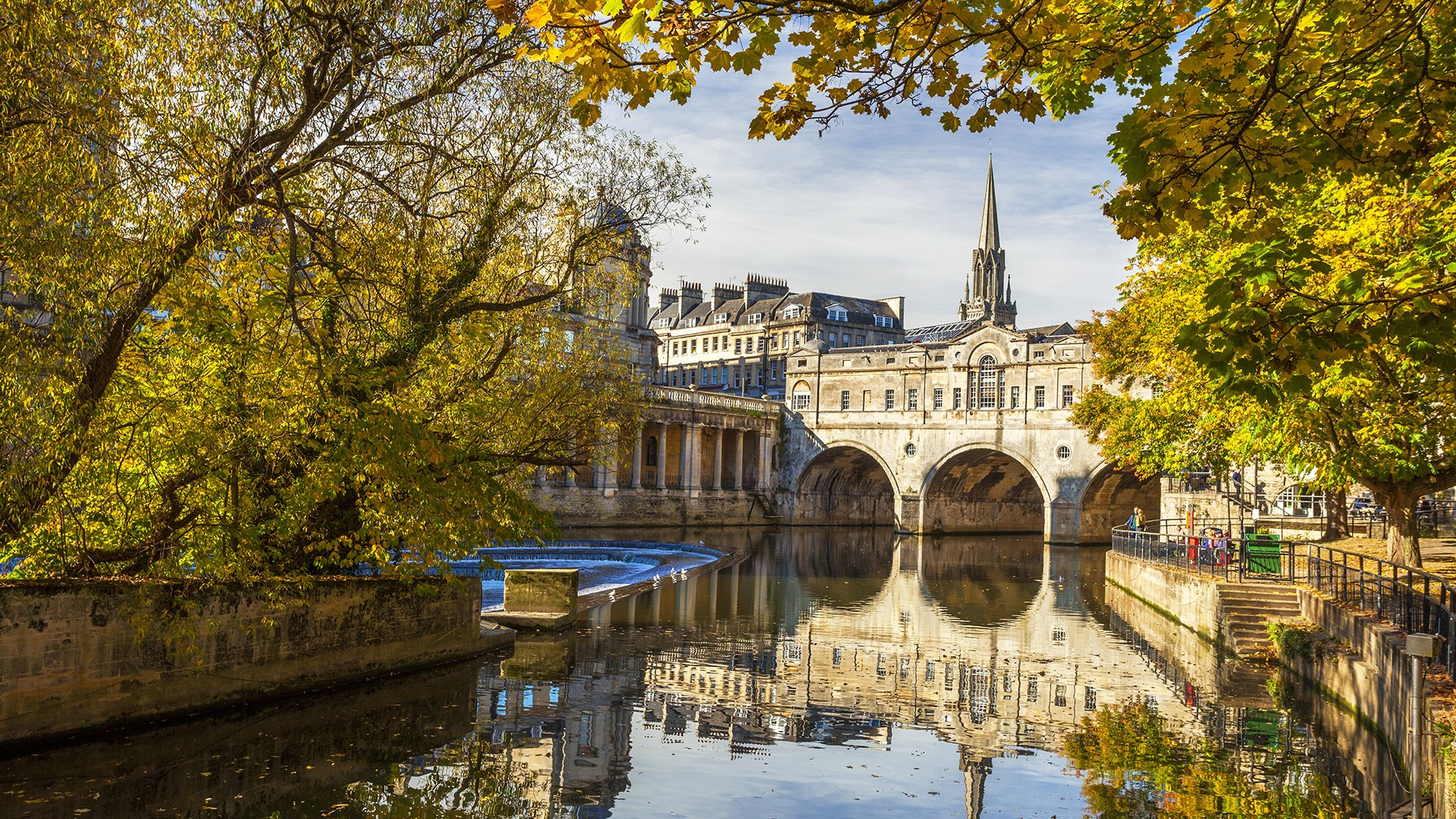 Pulteney Bridge, River Avon, Bath, Somerset, England, UK
