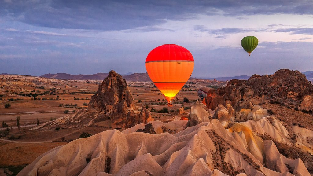 Hot air balloon after sunrise, Göreme, Cappadokia, Turkey