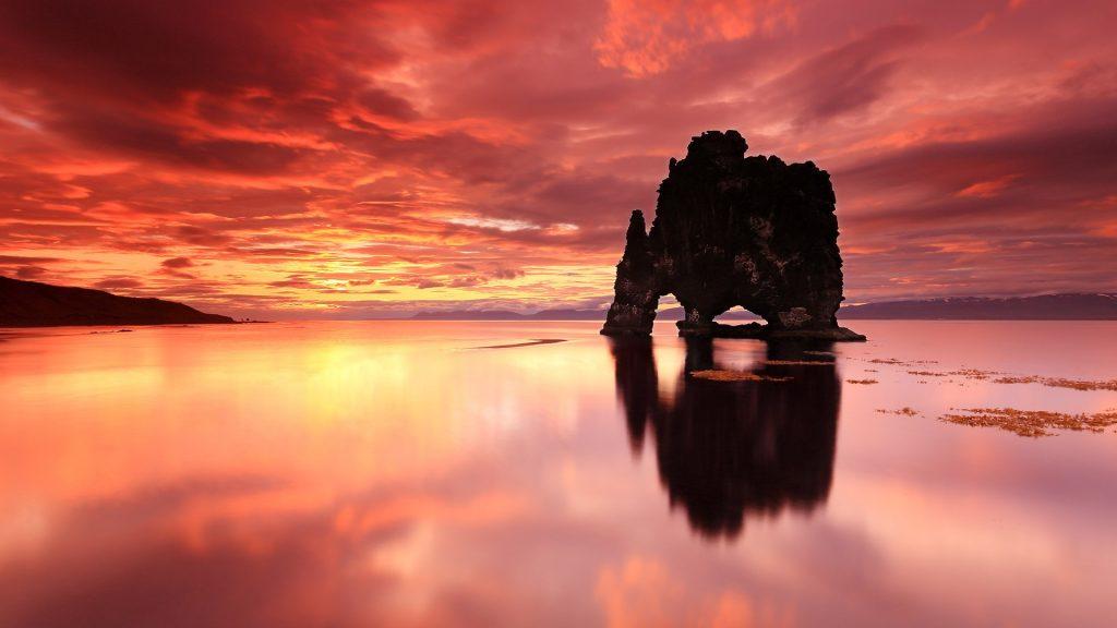 Hvítserkur rock, Vatnsnes peninsula, Iceland