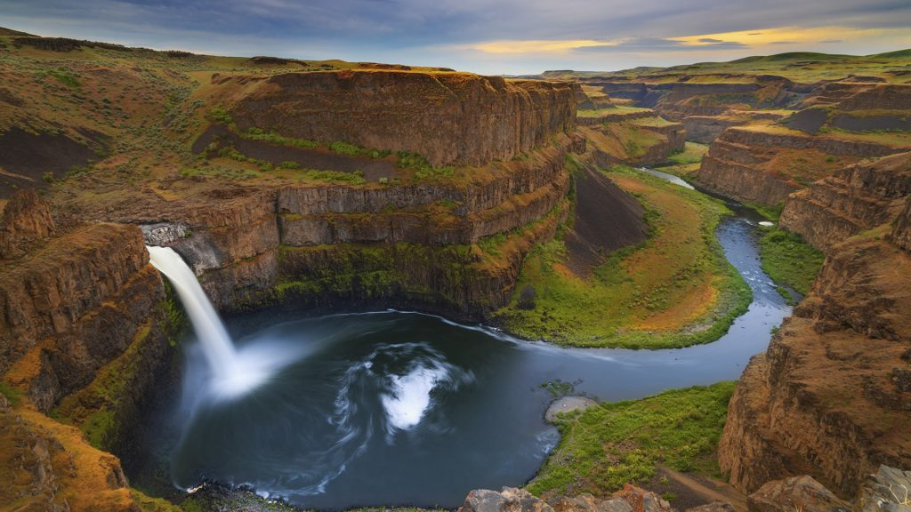 Palouse Falls on the Palouse river in spring, Washington state, USA