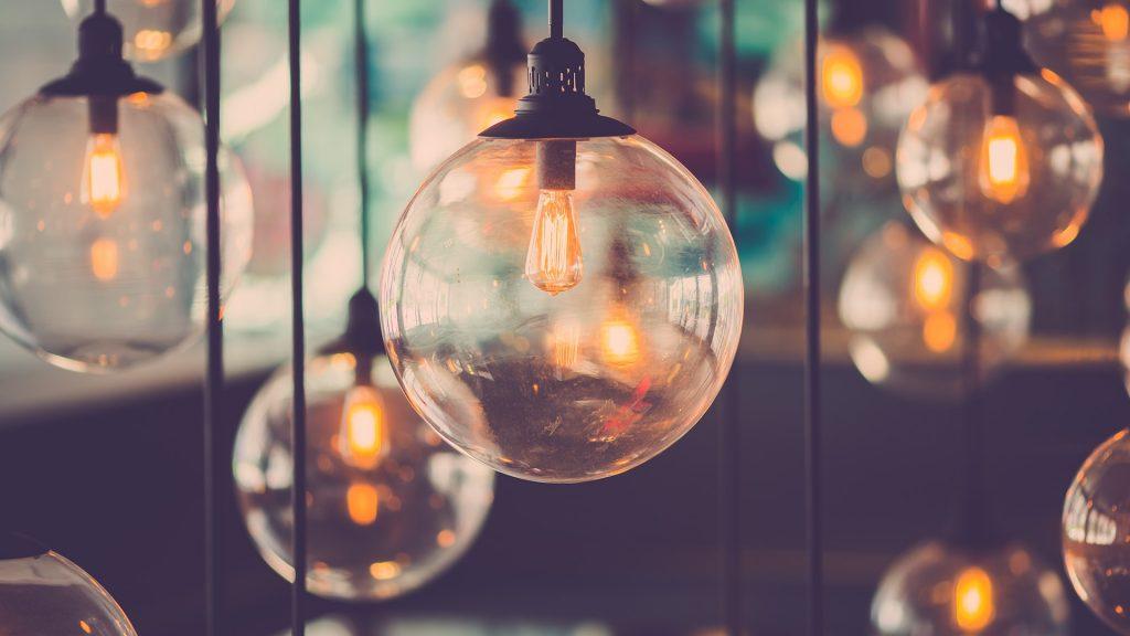 Beautiful retro luxury light Edison light lamp decor glowing