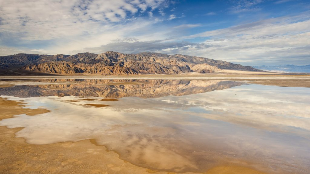 Salt flats and Panamint Mountains, Death Valley, California, USA