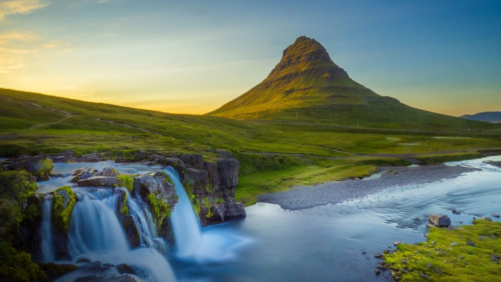 Waterfall and landscape, Kirkjufell Mountain, Snæfellsnes Peninsula, Iceland