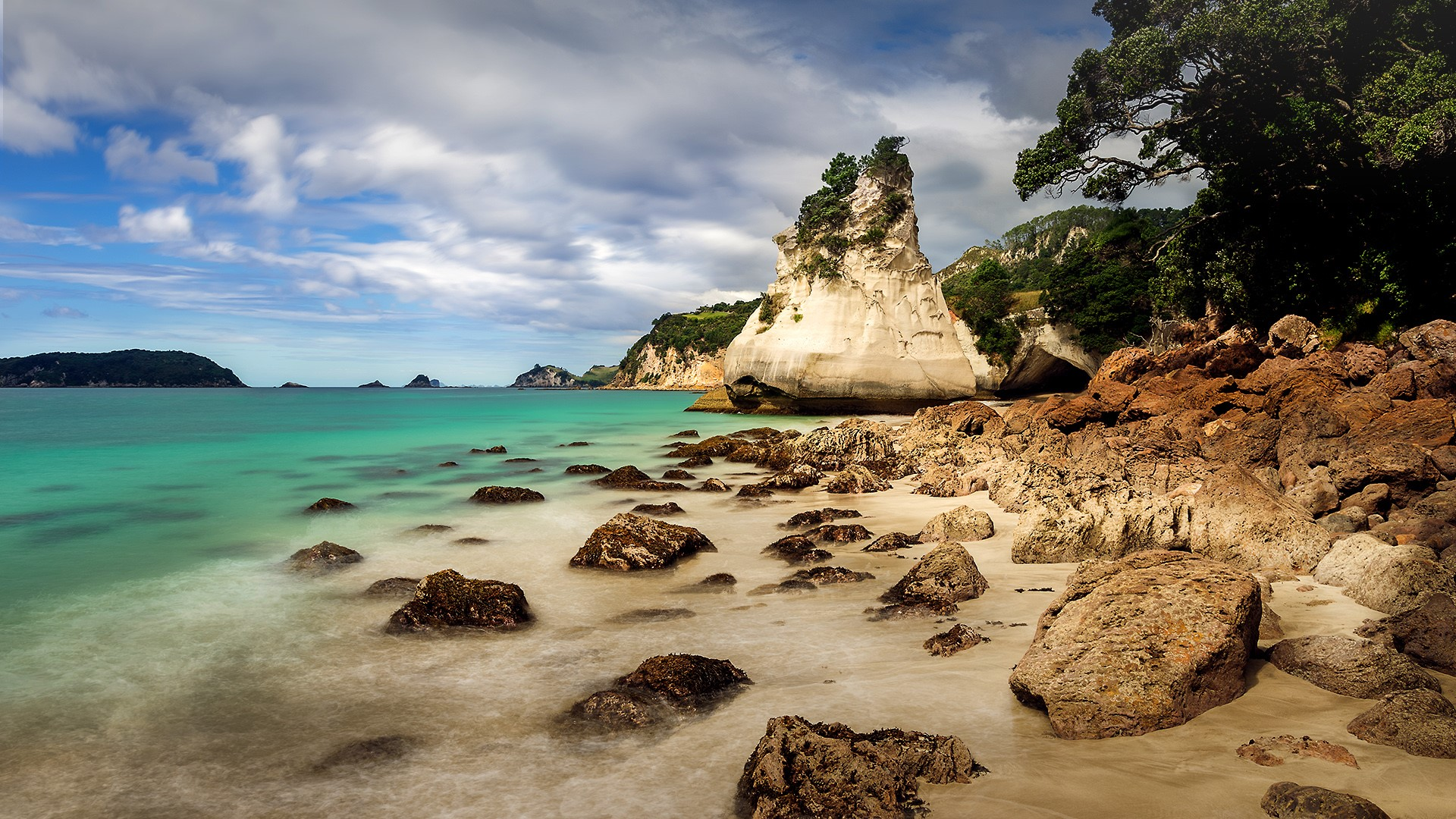 rock formation in cathedral cove coromandel new zealand. Black Bedroom Furniture Sets. Home Design Ideas