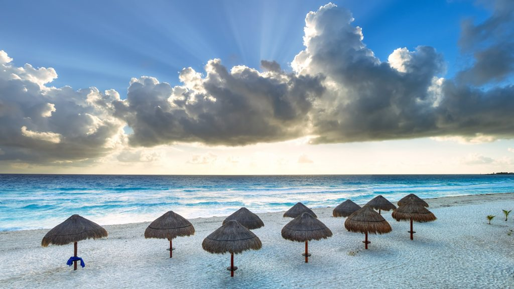 Sunrise in Cancún at the beach, Mexico