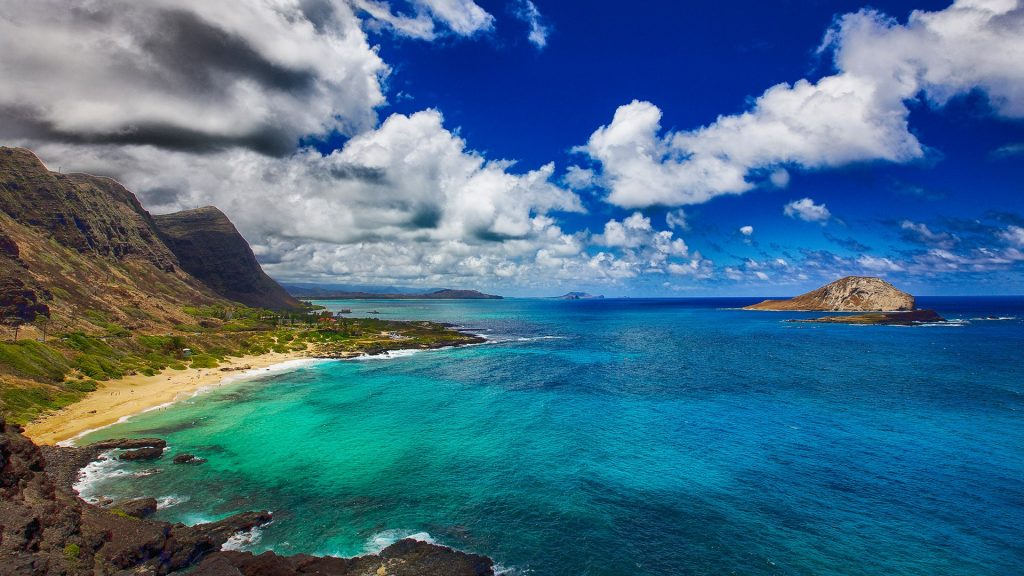 Rabbit Island and Makapu'u Beach Park view from Makapu'u Point on Oahu Island, Hawaii, USA