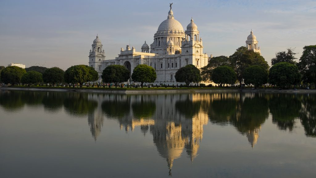 Victoria Memorial in late afternoon light, Kolkata (Calcutta), West Bengal, India