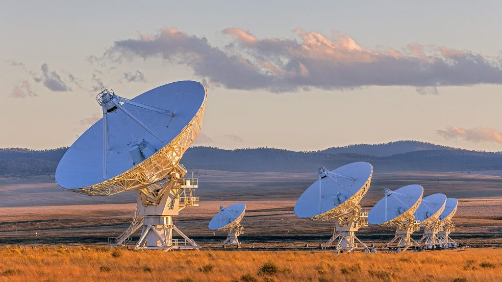 Very Large Array satellite dishes at sunset, Plains of San Agustin, New Mexico, USA