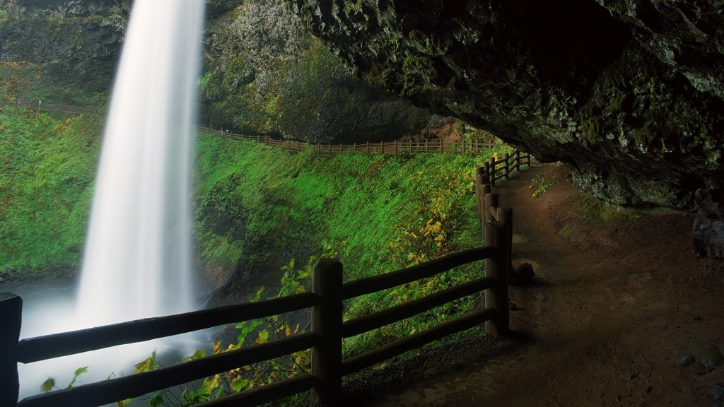 South Falls of Silver Falls State Park, Silverton, Oregon, USA