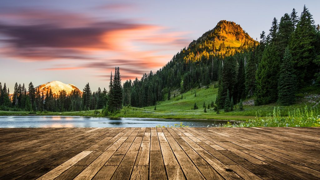 Tipsoo Lake at Mount Rainier, Washington, USA