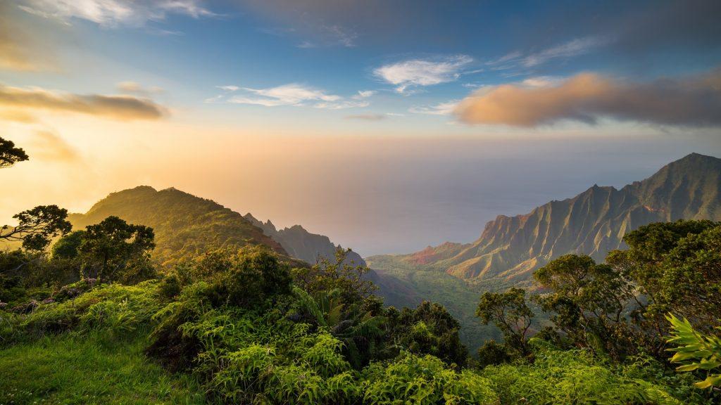 Sunset over Kalalau Valley, Kauai island, Hawaii