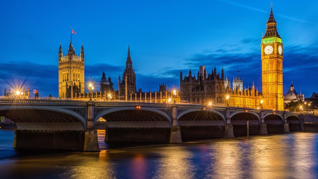 London at night, Houses of Parliament and Big Ben, England, UK