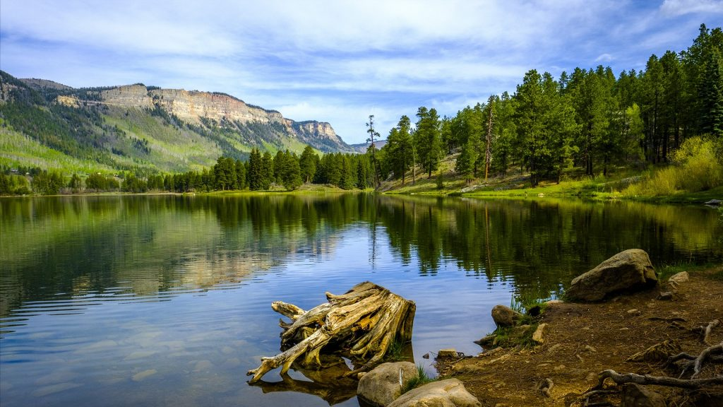 Landscape of Haviland Lake during sunny weather, Durango, Colorado, USA