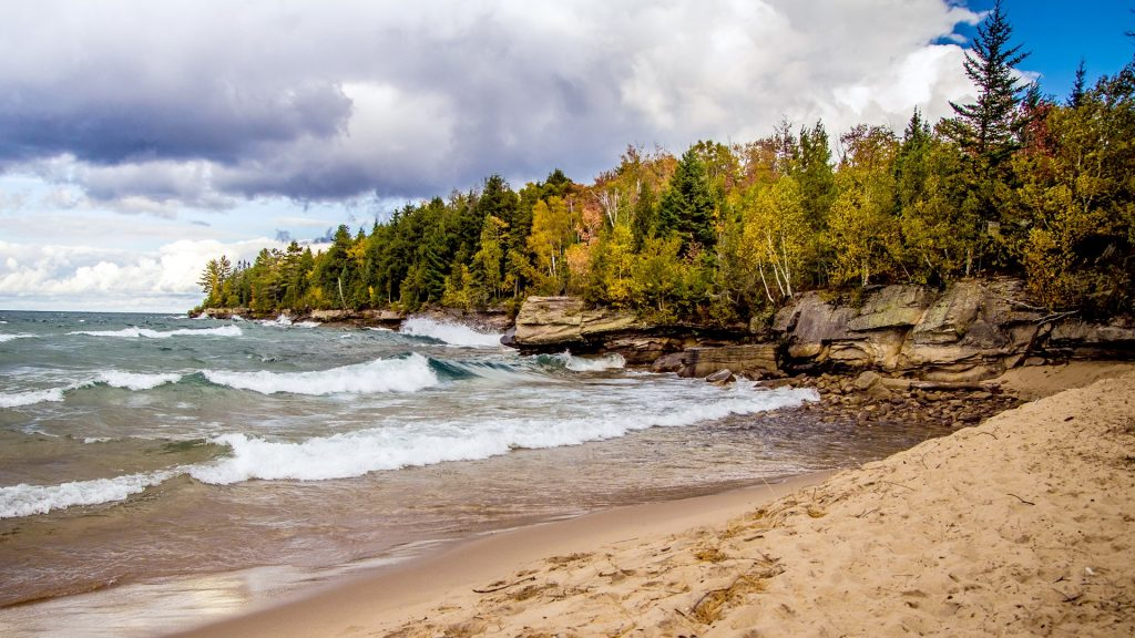 Rugged and rocky shores of Lake Superior in Michigan's Upper Peninsula, USA