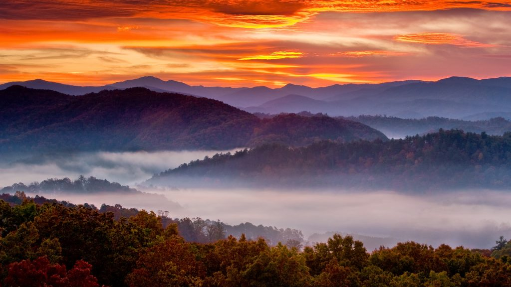 Sunrise over the Smoky Mountains in autumn from the Foothills Parkway-East, Tennessee, USA