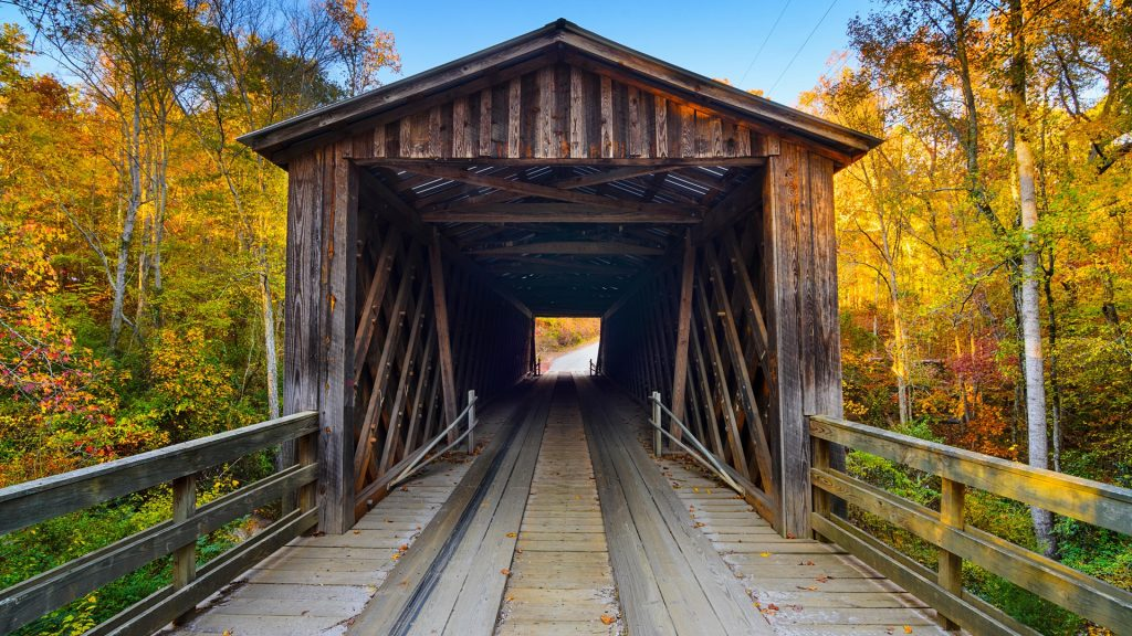 Elder's covered bridge in the fall season in Oconee, Georgia, USA