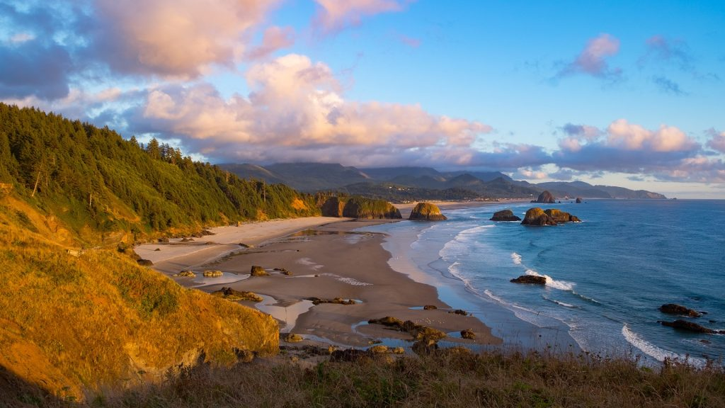 Crescent Beach in Ecola State Park, Oregon, USA