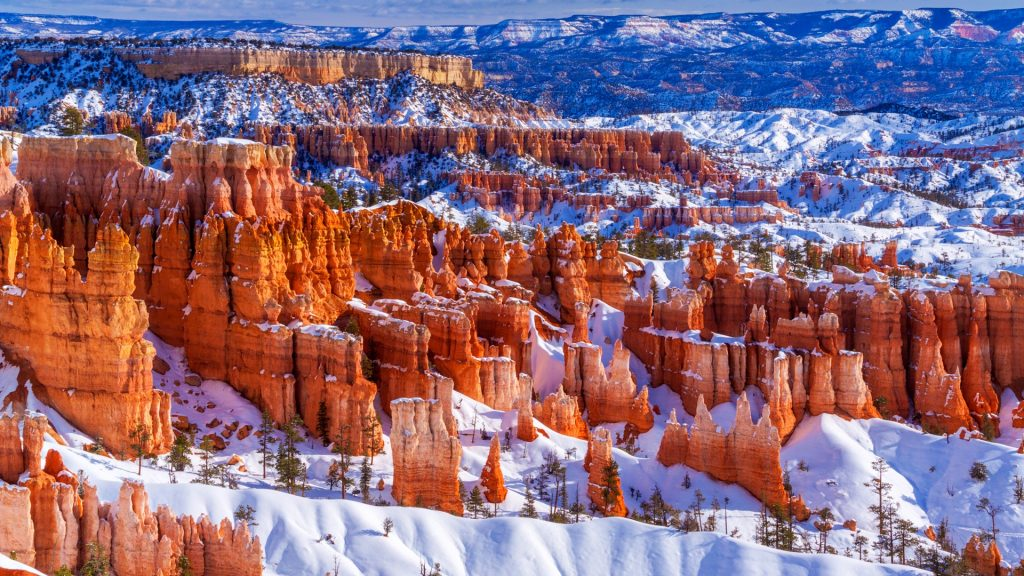 Hoodoos in winter, Bryce Canyon National Park, Utah, USA