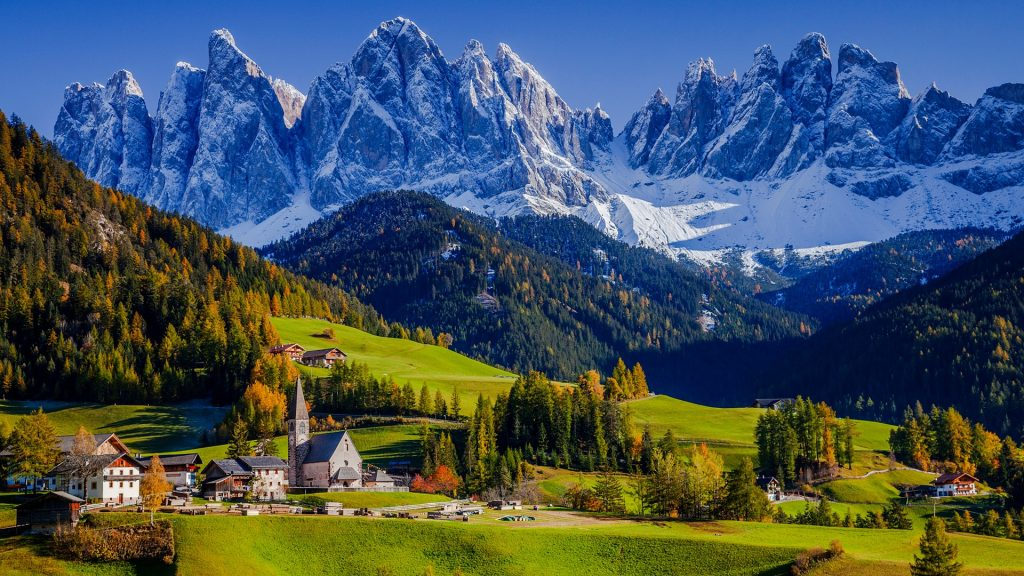 Santa Maddalena Church in autumn, Val di Funes, Bolzano, Trentino-Alto Adige, Italy