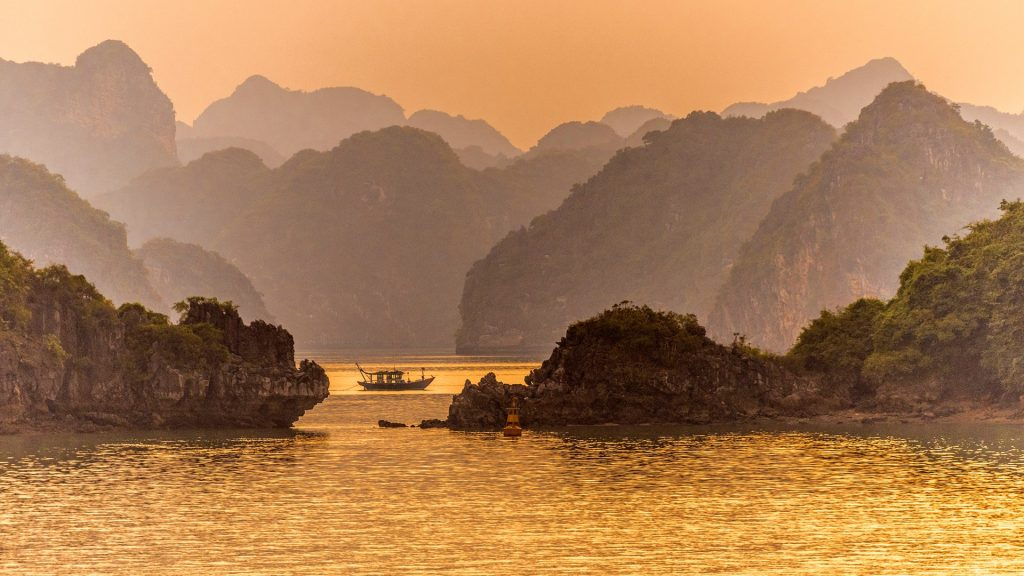 Ha Long Bay at sunset, Quảng Ninh province, Vietnam