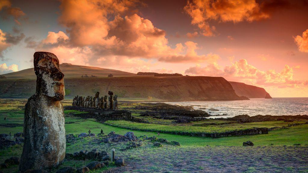 The lone moai with the Ahu Tongariki moai, Hanga Roa, Easter Island / Isla de Pascua, Chile