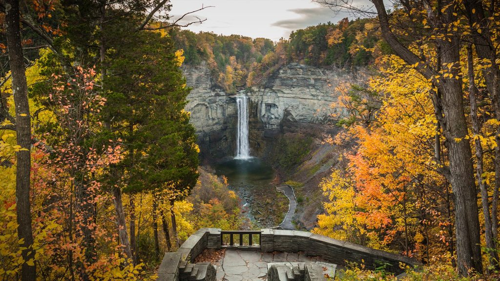 Taughannock Falls State Park in autumn, Ithaca, Finger Lakes Region, New York, USA