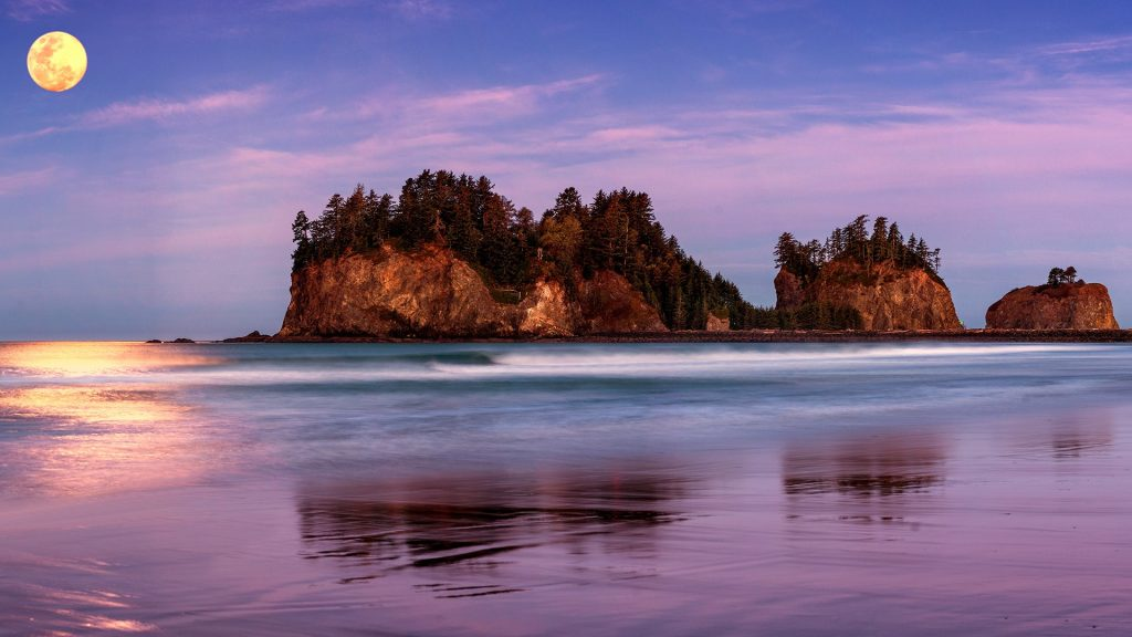 Full Moon above First Beach of La Push, Olympic National Park, Washington, USA
