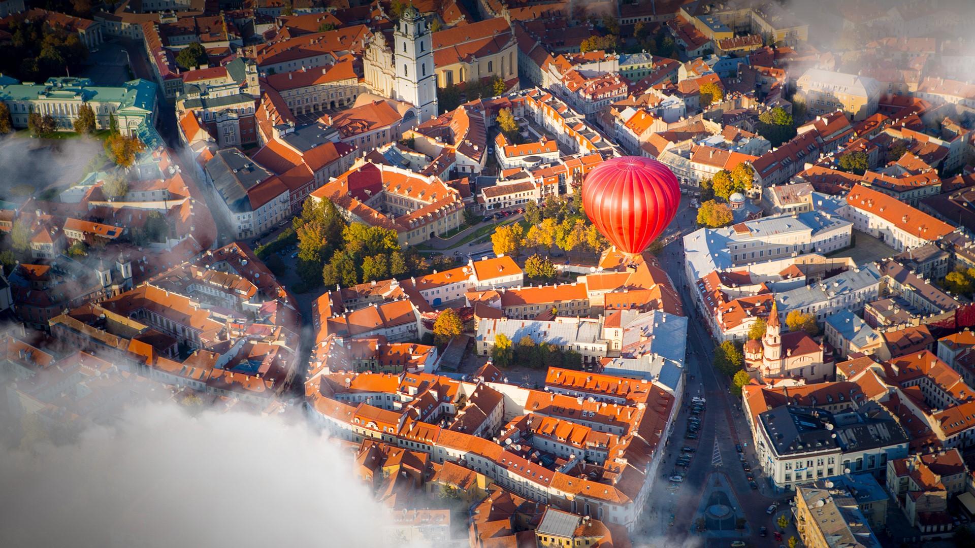 Hot Air Balloon Flying Over Vilnius Lithuania Windows 10 Spotlight Images