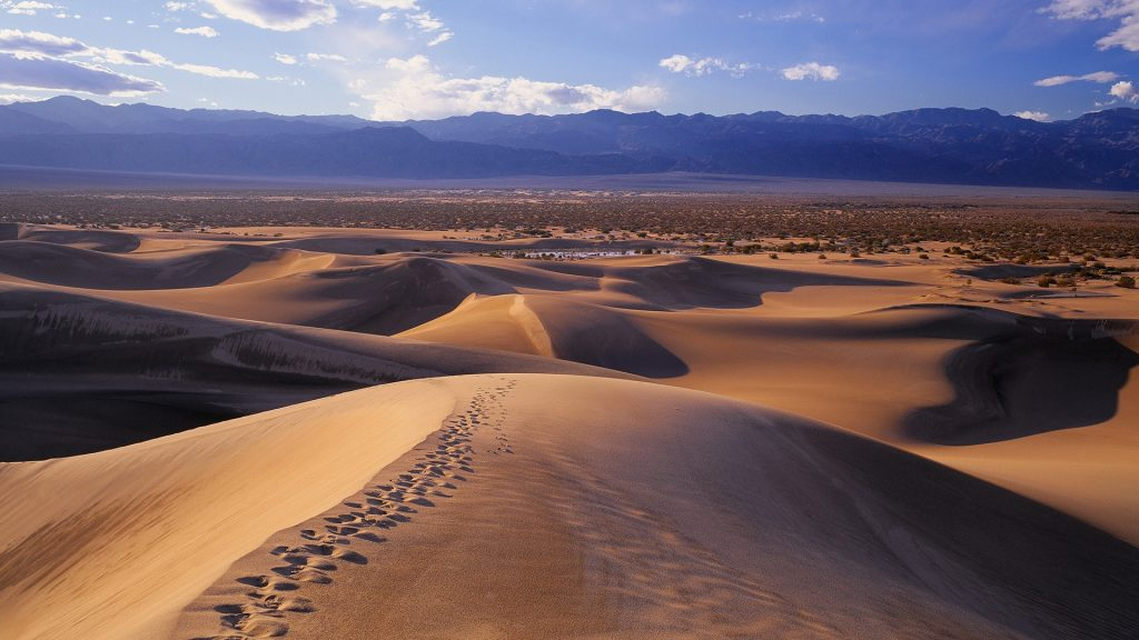 Sand dunes towards Panamint Range, Death Valley, California, USA