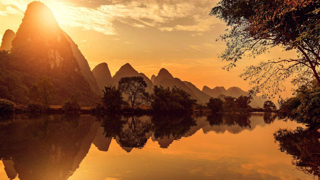 Sunset view of Li River, Yangshuo, Guangxi, China
