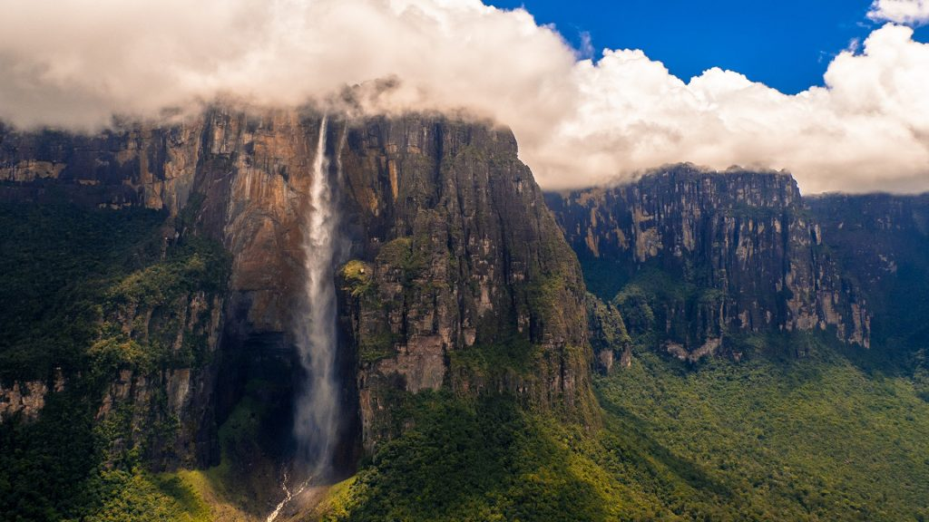 Angel Falls waterfall at the Auyán-tepui mountain, Canaima National Park, Venezuela
