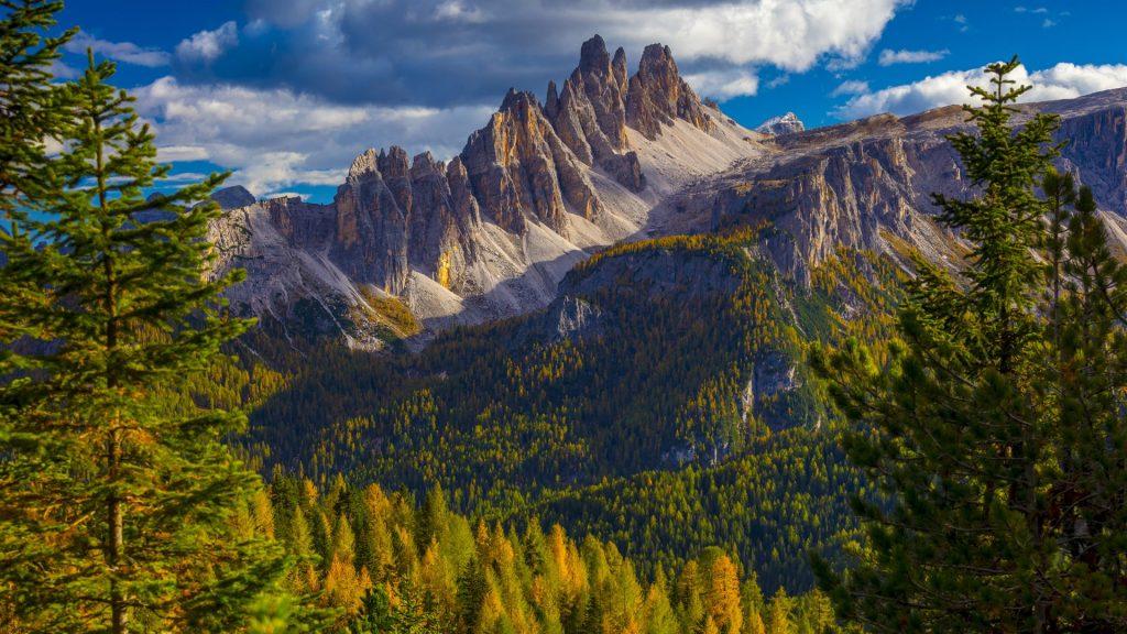 Croda da Lago e Lastoi de Formin mountains, Dolomites, Belluno district, Veneto, Italy