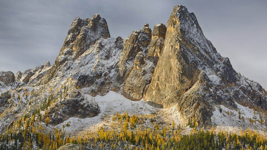Liberty Bell and Early Winters Spires, North Cascades, Okanogan National Forest, Washington, USA