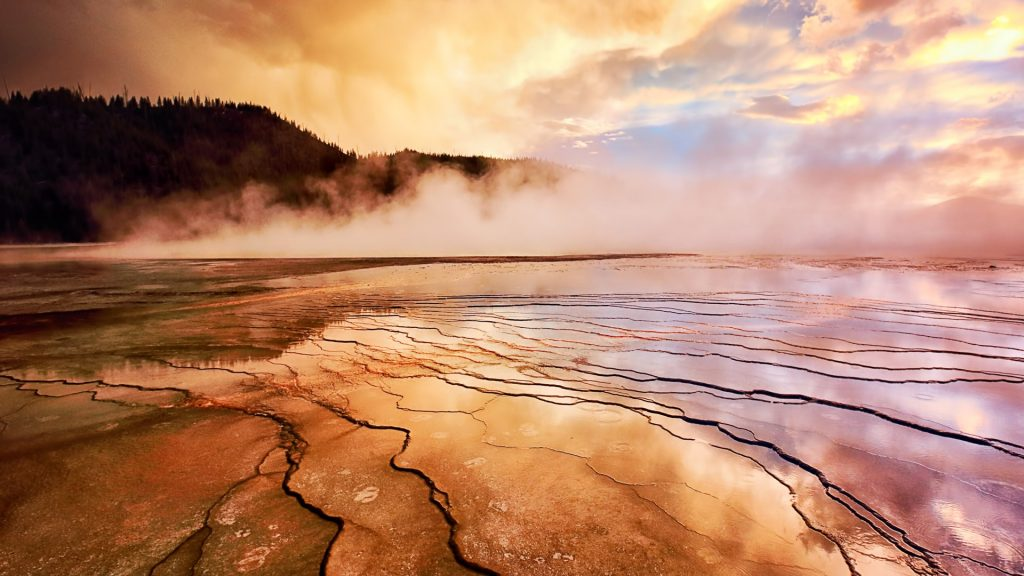 Sunset at the Grand Prismatic Hot Spring in Yellowstone's Midway Geyser Basin, Wyoming, USA