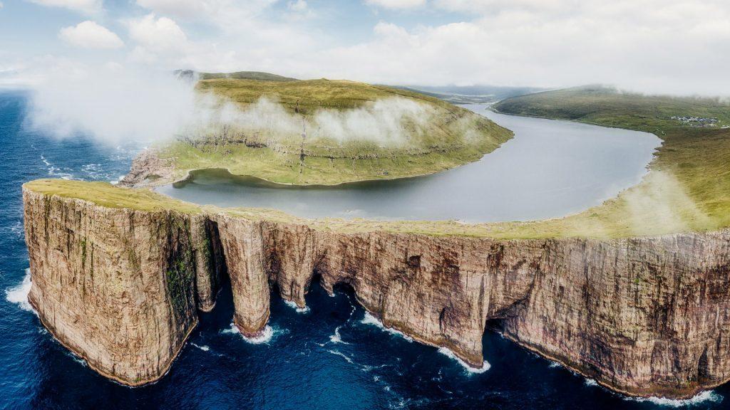Sørvágsvatn or Leitisvatn lake hanging over the Atlantic Ocean, Vágar, Faroe Islands