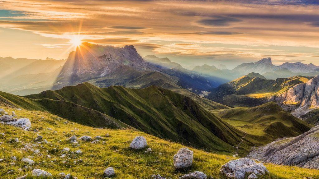 Sunrise at Sassolungo or Langkofel Mountain Group, Dolomites, Trentino, Alto Adige, Italy