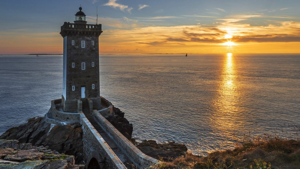 Kermorvan lighthouse at sunset, Le Conquet, Finistère, Brittany, France