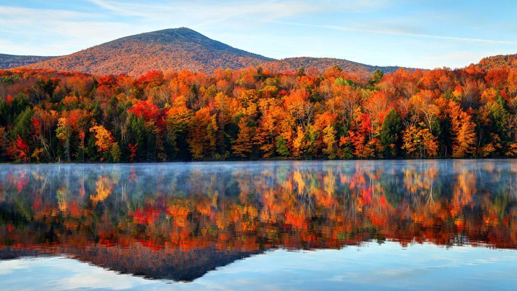 Early morning autumn light near Killington, Vermont, New England, USA